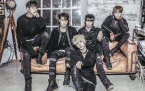 Song Review: KNK – U