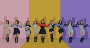 Song Review: Twice – KnockKnock