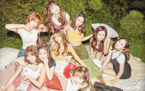 Song Review: Twice –Likey