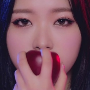 Song Review: LOONA (Olivia Hye) – Egoist (ft.JinSoul)