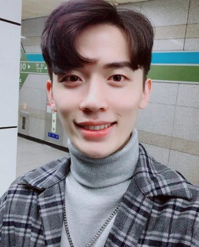 K-Pop Producer Spotlight:LEEZ