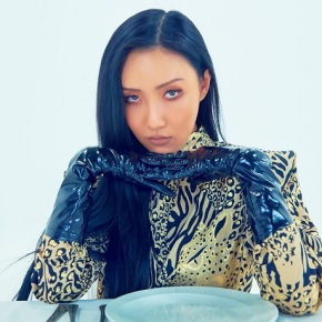 Song Review: Hwasa (Mamamoo) – Twit