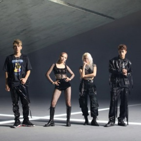 Song Review: KARD – Dumb Litty