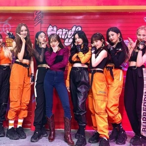 Song Review: Cherry Bullet – Hands Up