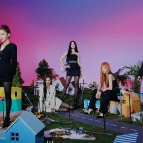 Buried Treasure: Red Velvet –Pose